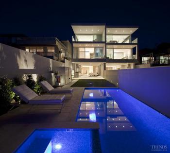 Side by side – mirror townhouses by MPRDG