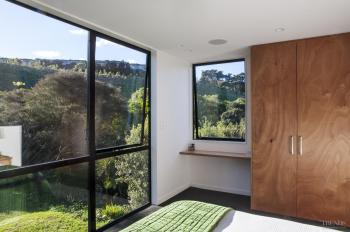 Down the garden path – new home by Box Living
