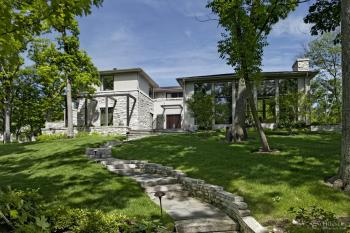Shaped by the land – this house by Jim Fraerman is at home in its setting