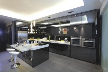 Black is back - Apresi kitchen in Modern Black is a fashion statement