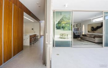 Modernism revisted – contemporary house by Chindarsi