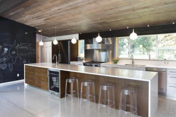 Mid-century modernized – A renovated kitchen by John DeForest Architects