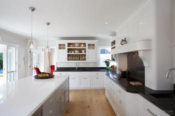 Serene and spacious – traditional family kitchen
