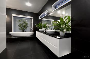 On a pedestal – elevated bathtub takes centre stage