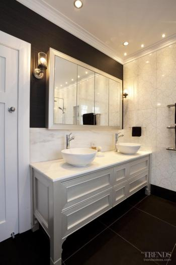 Twist on tradition – bathroom by Du Bois Design