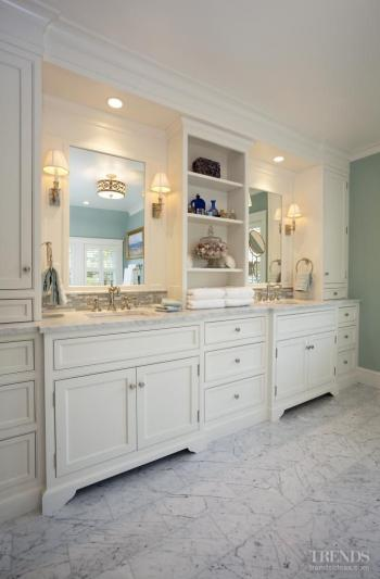 Softly, softly to this master bathroom in a traditionally styled country cottage