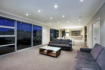 Living Area. Image: 11