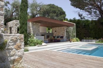 Tuscan with a twist by architectural and interior designer Luis Ortega,