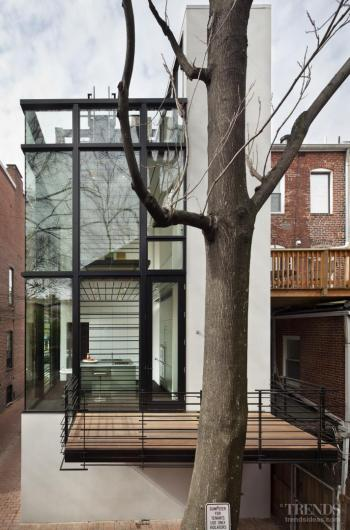 Graphic example – modernist addition to row house