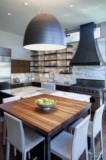 Night and day – new kitchen by Peter Nicholas. Image: 3