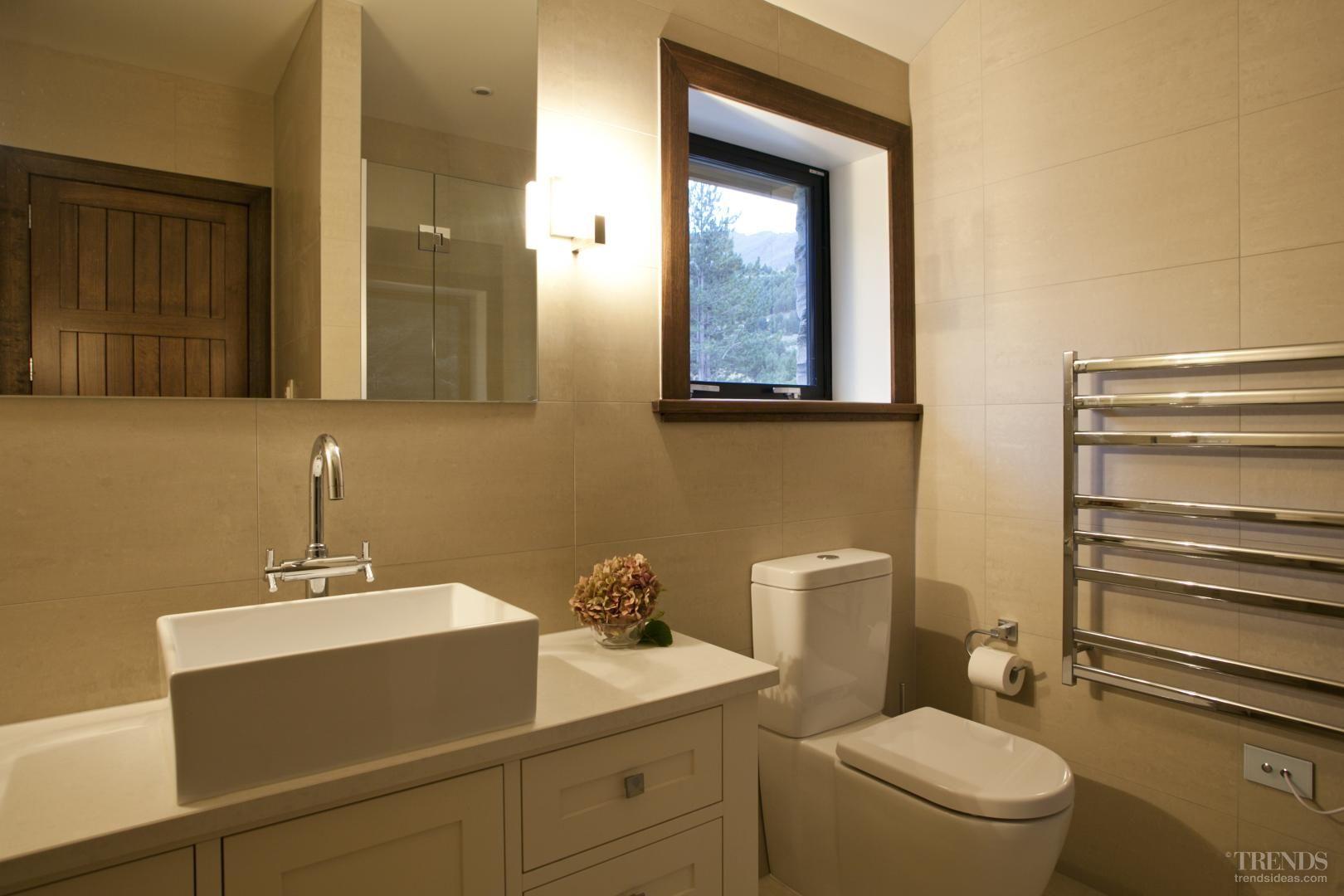 Mountain hideaway near queenstown for Bathroom design queenstown