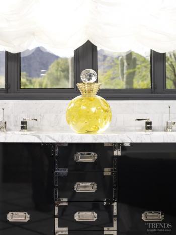 Screen siren – monochromatic marble bathroom by Jamie Herzlinger