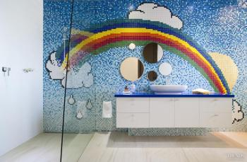 Colorful rainbow children's bathroom. Image: 7