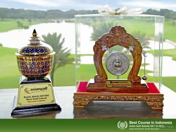 Golden tee – The Royale Jakarta Golf Club offers an international-level course and a range of facilities