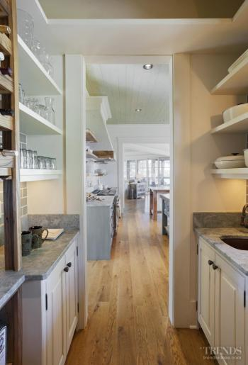 Gone fishing – Kelley Designs kitchen reflects location