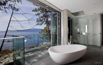 All the better to bathe – Spacious master bathroom by Soren Rasmussen Architects. Image: 6