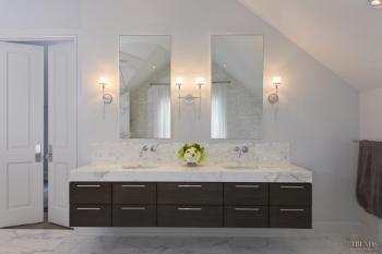 Attic hideaway – master bathroom