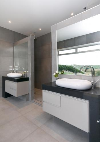 Ensuite Bathroom. Image: 2