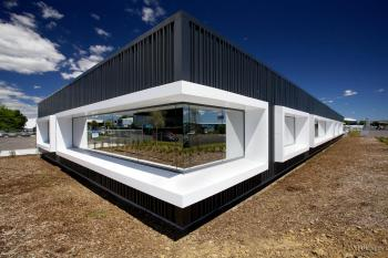 In the frame – Alucobond feature window frames by Kaneba