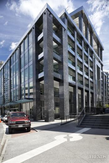 Mark of distinction – AECOM house by WMZA