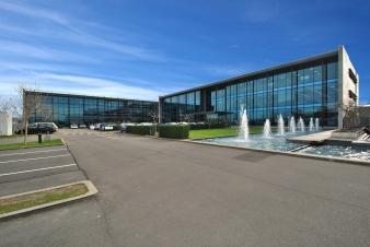 IAG - Show Place Exterior