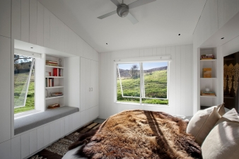 Bedroom with views in home by Turnbull Griffin Haesloop