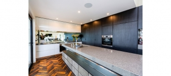 This versatile kitchen in an award-winning Fowler Homes Taranaki residence is for serious chefs and also family members in a hurry.