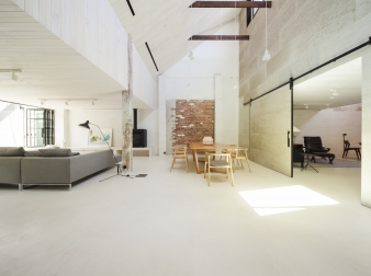 The main living room in a warehouse conversion by Architects EAT
