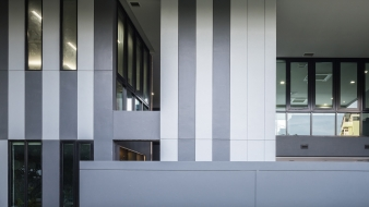 The arrangement of voids and windows was designed to create the impression of a bas-relief pattern