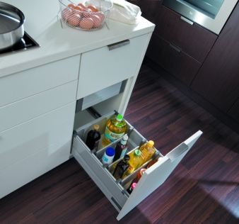 Harn Triomax Soft Close Drawers: With Railings to Keep Bottles Safe & Secure. Image: 4
