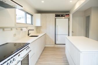BERLONI B50 Deck Terra di Latte - Torbay, Auckland. Image: 3