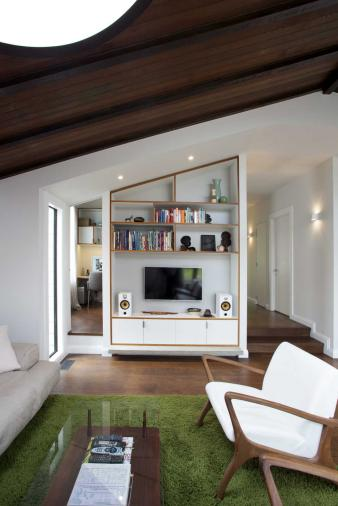 Home Office in Renovated Villa. Image: 8