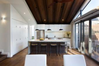 Renovated Villa offers storeage Benefits. Image: 3