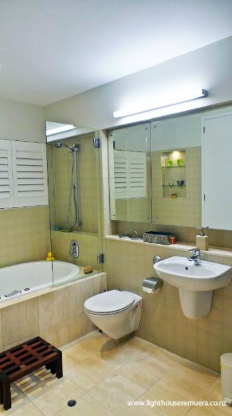 Bathroom lighting design by Kane McHugh. Image: 25