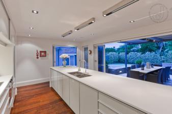 Modern Kitchen. Image: 1