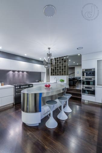 Sleek Kitchen. Image: 1
