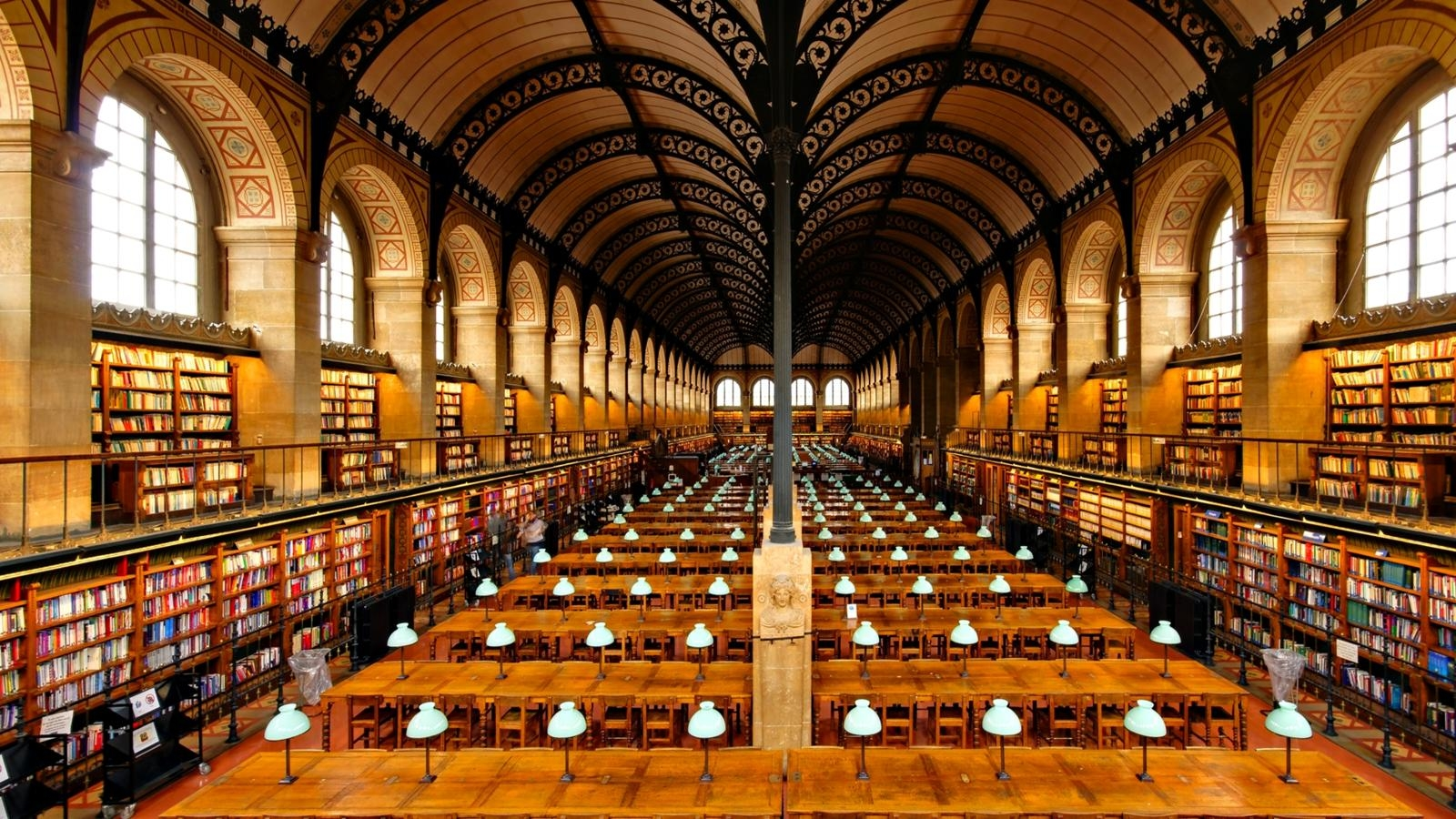 The world 39 s 10 most beautiful libraries for Interieur paris premiere