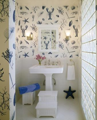 Wallpapered Bathrooms. Image: 4