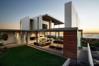 Pearl Bay Residence Modern Home. Image: 1