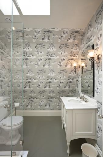 Wallpapered Bathrooms. Image: 6
